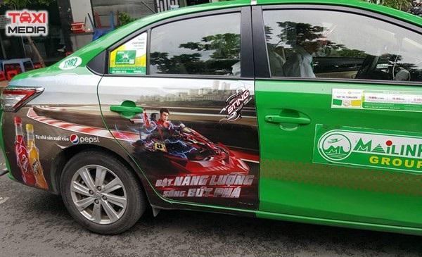 vị trí quảng cáo trên xe taxi
